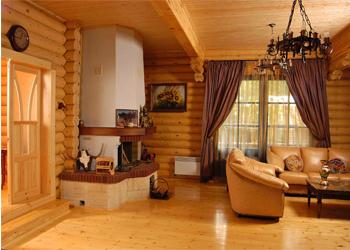 Штори в дерев'яний будинок: стильові рекомендації, фото інтер'єру